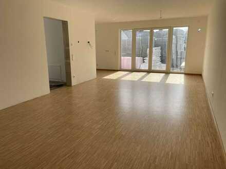 Niedrigenergie-Pavillonhaus - ERSTBEZUG - zweigeschossig und voll unterkellert