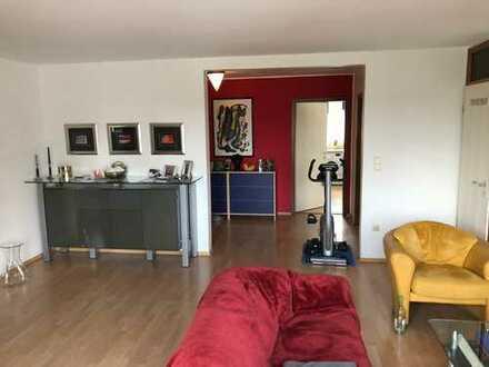 Neuwertige 2,5-Zimmer-Wohnung mit großem Balkon in Bochum