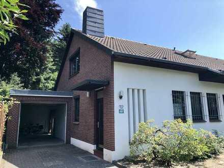 Oberneuland Rockwinkel – Einfamilienhaus in ruhiger Sackgassenlage mit idyllischem Garten und Garage