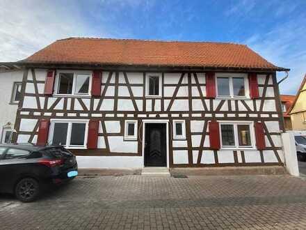 Liebevoll saniertes Fachwerkhaus im alten Ortskern - 5 Zimmer