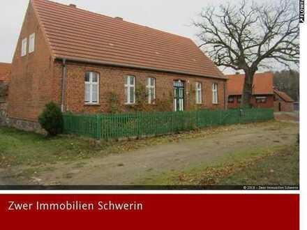 Wohnhaus mit Charme und Alleinlage mit Nebengebäude und Garten in Rohlsdorf nahe der Stadt Perleberg