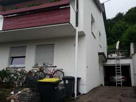 Schöne Doppelhaushälfte in Wernau - Traumhafte Lage am Hang