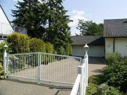 Traumlage in Baerl! 290 m² kultiviertes Wohnen mit Fernsicht!