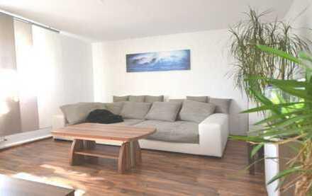 Neuwertige Wohnung mit Süd-Balkon und toller Aussicht in DO-Höchsten!