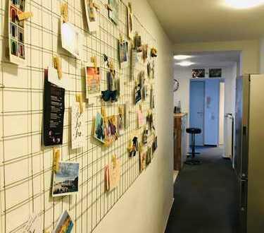 18qm-Zimmer in der Innenstadt in gemischter 4erWG (2 Balkone)
