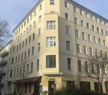Bezugsfertige, sehr helle 2-Zimmer-Altbau-WHG mit 3,10m RH, Wannenbad m. Fenster im Graefekiez