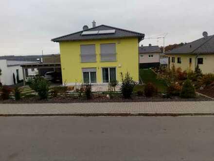 Schöne, neue 3-Zimmer-Erdgeschosswohnung mit eigenen Garten in Burglengenfeld