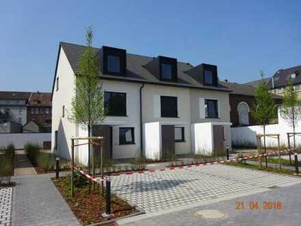 145 qm Reihenmittelhaus * NEUBAU * in Recklinghausen zur VERMIETUNG