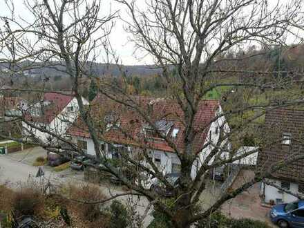 Schöne 3,5 Zimmer Dach-Maisonette-Wohnung in Stuttgart, Feuerbach