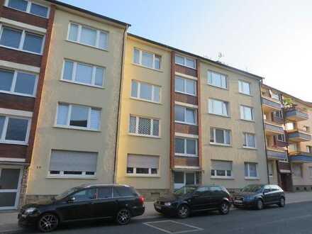 Zentral gelegene 2-Zimmer-Wohnung mit überdachtem Balkon und modernem Duschbad