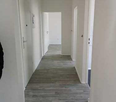 Erstbezug nach Renovierung 3-Zimmer-Wohnung