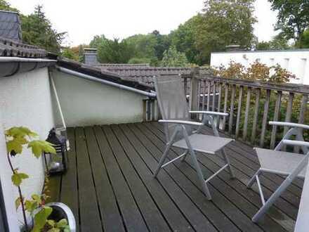 Großzügige Stadtwohnung mit Balkonterrasse im 3-Familienhaus -  ideal für 2 Personen!