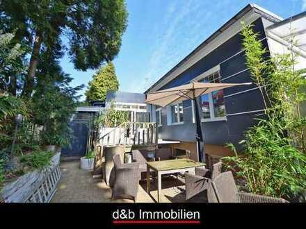 Villenviertel: Freistehendes 5-6 Zimmer-Haus auf einem zauberhaften, ruhigen Innenhof-Grundstück