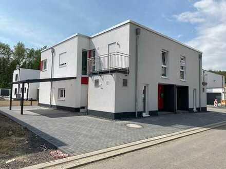 Neubau Doppelhaushälfte - Erstbezug inklusive Carport und Einbauküche