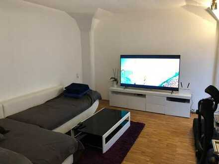 Zentrale 2-Zimmer-Wohnung mit Balkon und EBK in Tübingen