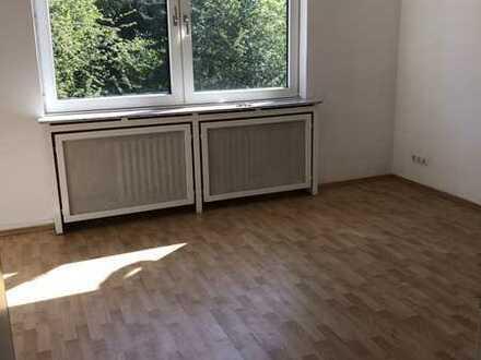 Helle, gut geschnittene Wohnung mit Balkon