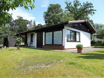 + Maklerhaus Stegemann + gepflegter Bungalow mit Seeblick am Malchiner See