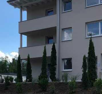 Erstbezug im Neubau! Exklusive 3-Zimmer-Wohnung mit Einbauküche in Kellmünz.