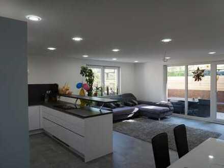 **Luxuriöse 4-Zimmer-NEUBAU-Wohnung mit Terrasse Freiberg am Neckar**