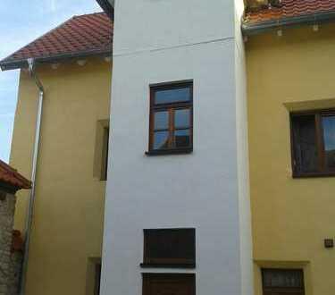 Älteres Haus 2016 saniert mit neuem Dachgeschoss und Solar Heizung in Stadecken-Elsheim