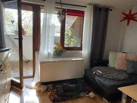 Schöne und helle 4 Zi-Dachgeschosswohnung mit Balkon, EBK und Garage, Stellplatz in Althütte