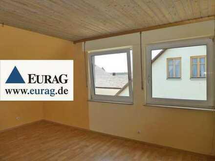ER-Hüttendorf: Renovierungsbedürftige 3,5-Zi-Whg (2.OG/DG), Garage, Schuppen