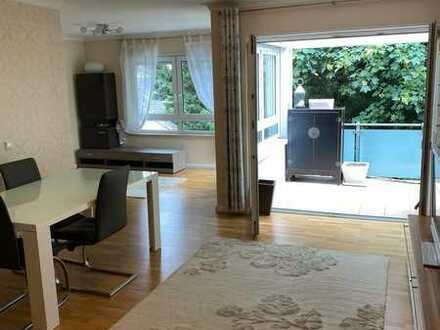 Exklusive, neuwertige 4-Zimmer-Wohnung mit Balkon und Einbauküche in Festspielhausnähe