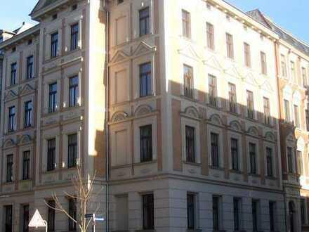 Schöne 1 Zi-Wohnung mit Laminat, sep. Küche und Duschbad im Paulusviertel