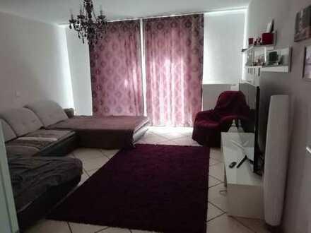 Freundliche 4-Zimmer-EG-Wohnung mit Balkon und EBK in Bornheim