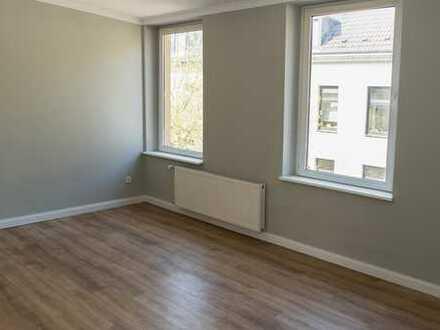 Ab Juni: Wunderschöne, sanierte Altbau-Wohnung in Rheinnähe