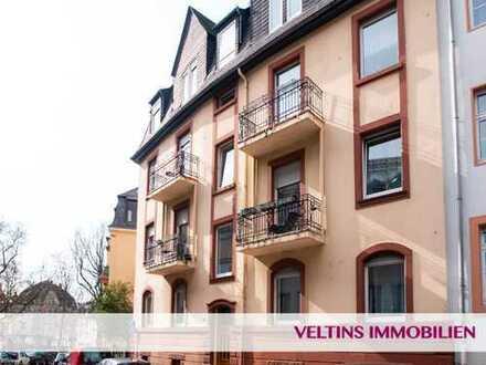 Nordend-West: Erstbezug nach Sanierung: Schöne 3-Zimmer-Altbau-Wohnung mit Balkon und Gartennutzung
