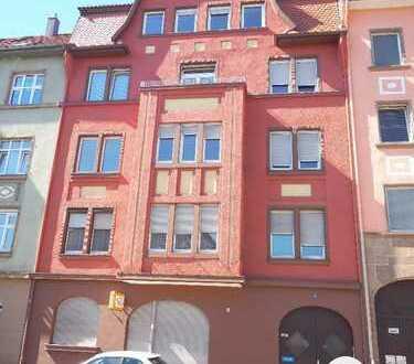 großzügige und helle 4 Zi. ETW mit Balkon, 2. OG, in einem klassischen Jugendstilhaus