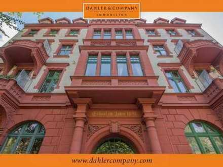 Altbauwohnung mit 3 Zimmern und Balkon in bester Innenstadtlage