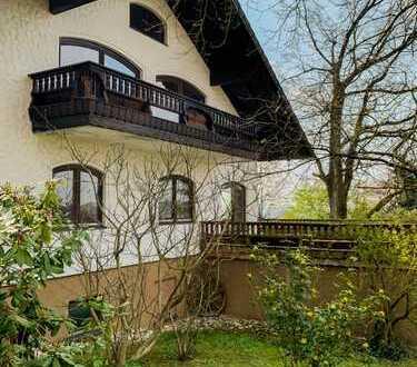Top-Lage: Attraktives Landhaus mit Fernblick und 2 separaten Wohnungen