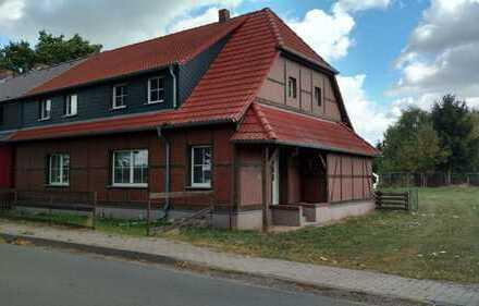 Doppelhaushälfte in idyllischer- und ruhiger Lage mit 2531m² großem Grundstück