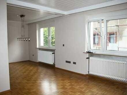 Stelzenberg - Gepflegtes Einfamilienhaus mit Balkon und PKW-Stellplatz in ruhiger Lage!
