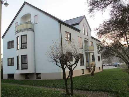 3 Zimmer Wohnung Ortsrand mit Balkon