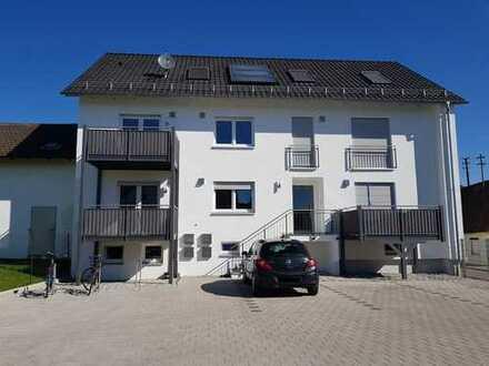 W4: Schöne drei Zimmer Dachgeschosswohnung in 85084 Reichertshofen