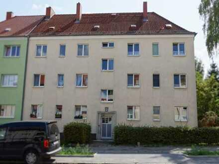 sanierte 3-Raum-Familienwohnung, Bad mit Dusche, Küche mit Fenster