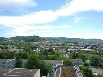Stilvolle, geräumige und gepflegte 1-Zimmer-Wohnung mit Balkon und EBK in Herrenberg
