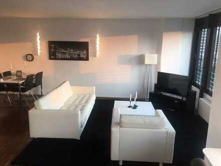 Ffm-Niederrad - SKY Appartement mit Einbauschränken