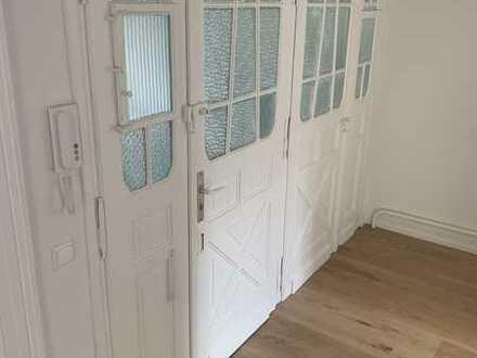 Erstbezug nach Sanierung: stilvolle 4-Zimmer-Wohnung mit 2 Balkonen