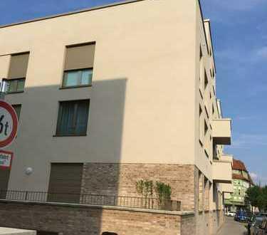 Stilvolle, geräumige und neuwertige 3,5-Zimmer-Penthouse-Wohnung mit Dachterrasse + EBK in Osnabrück