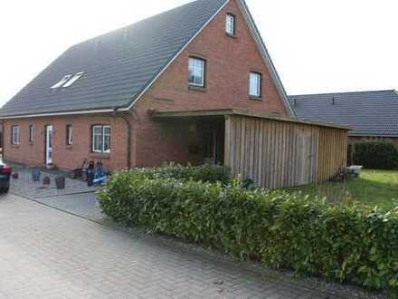 Schönes Doppelhaus mit 2 Carports und Erdwärme in Viöl zu Verkaufen