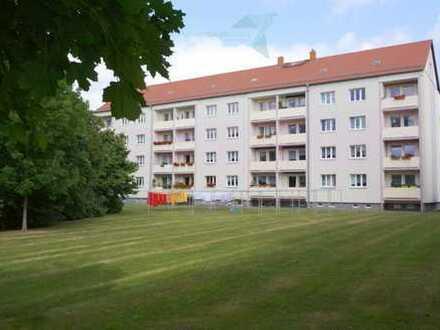 3 Raum Wohnung mit Balkon im dörflichen Ebersdorf