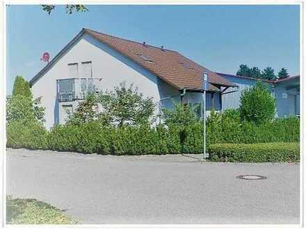 Löchgau: Einfamilienhaus oder 3 separate Wohnungen mit Stellplätzen, Garten, Terrasse, Balkon!