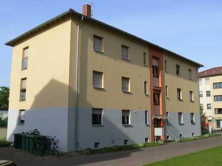 Helle und renovierte 1 ZKB in gepflegtem 9-Familienhaus in Neulußheim