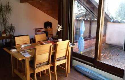 Sanierte 2-Zimmer-Wohnung mit Loggia und EBK in Kirchheim-Teck