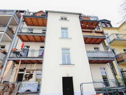 teilmöbliertes Single-Apartment mit Balkon, Tageslichtbad und geräumiger Küche !