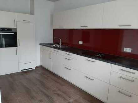 Schöne, helle und geräumige zwei Zimmer Altbau-Wohnung in Eichstätt Zentrum nähe Uni